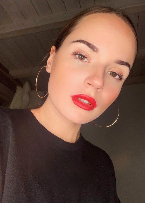 Sasha Spilberg in a selfie in November 2018