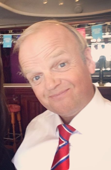 Toby Jones in an Instagram selfie as seen in May 2019