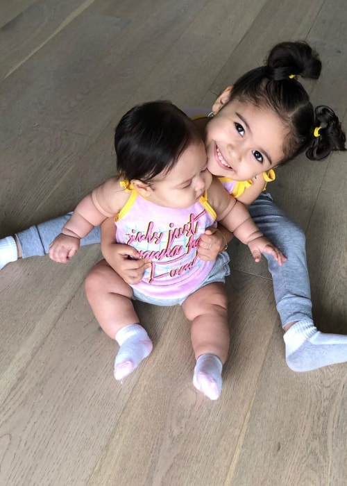Alaïa Marie McBroom as seen in a picture with her older sister Elle McBroom taken in March 2019
