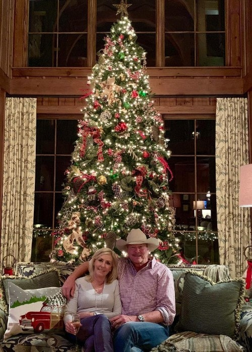 Alan Jackson with his wife Denise as seen in December 2018