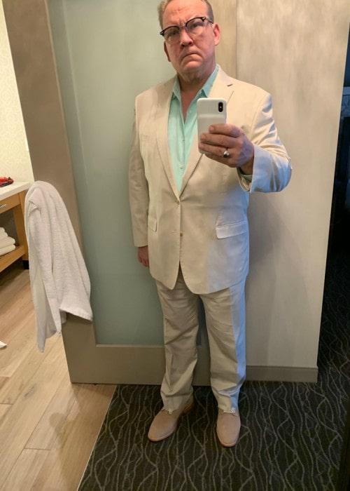 Andy Richter as seen in a Twitter mirror selfie in June 2019