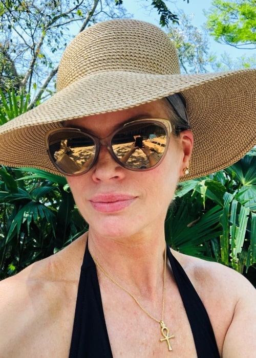 Carré Otis as seen while taking a selfie in Costa Rica in February 2019
