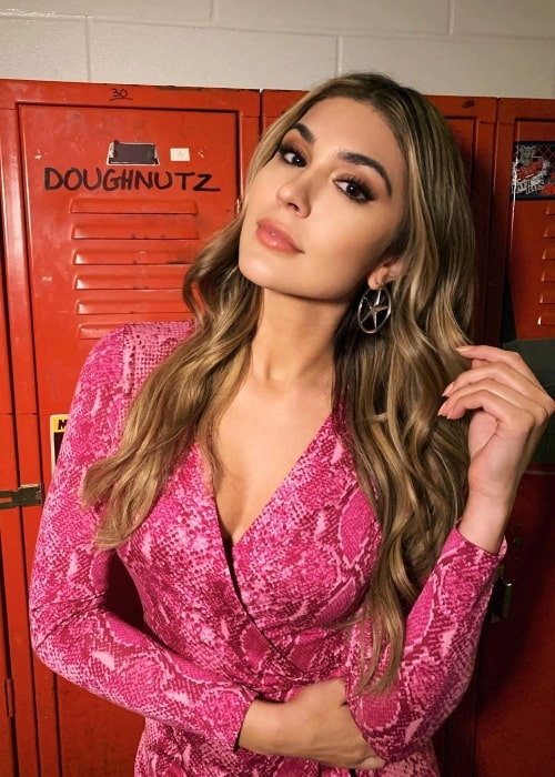 Cathy Kelley Height, Weight, Age, Body Statistics - Healthy