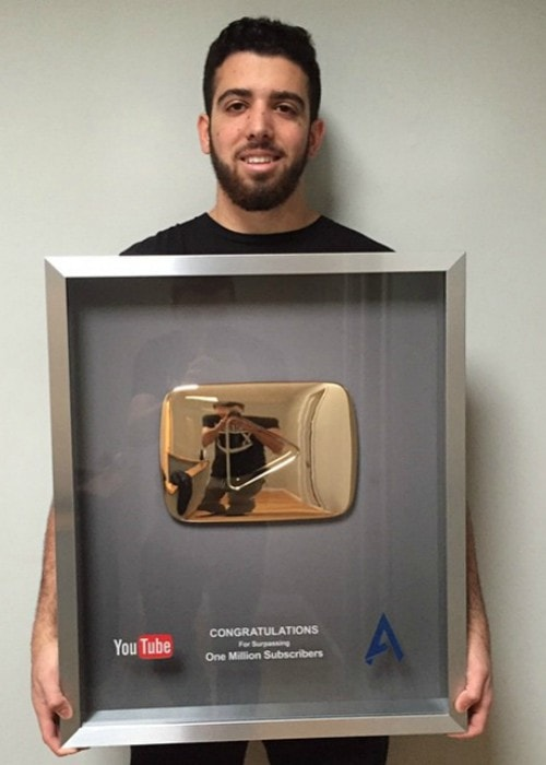 FaZe Apex with his YouTube Gold Play Button as seen in March 2015