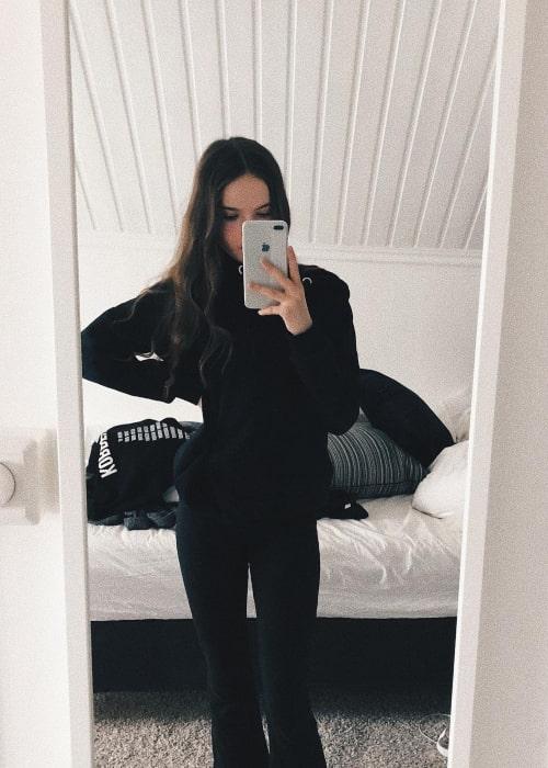Hanna Elisabeth as seen in a selfie taken in March 2018