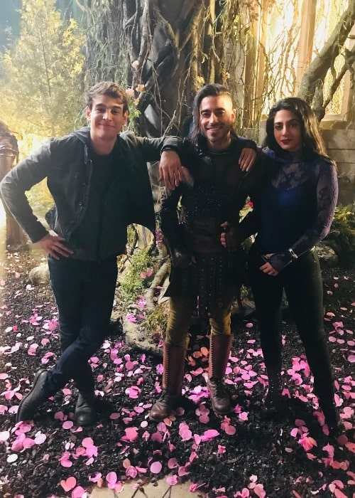Jade Hassouné (Center) as seen while posing for a picture with his 'Shadowhunters' co-actors, Alberto Rosende and Emeraude Toubia, in March 2019