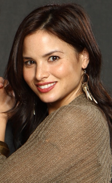 Katrina Law as seen while smiling for the camera at the 2014 Florida SuperCon