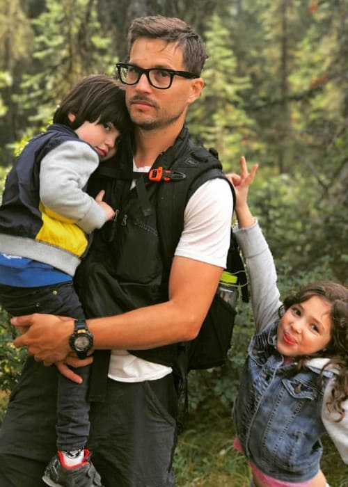 Logan Marshall-Green with his children as seen in August 2017
