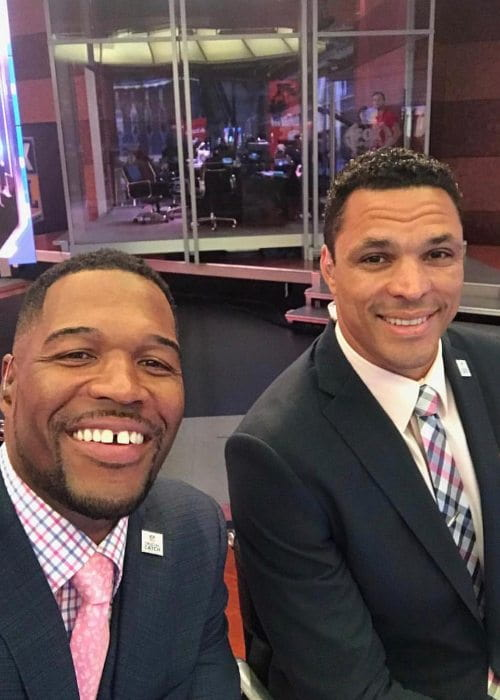 Michael Strahan (Left) and Tony Gonzalez as seen in February 2019