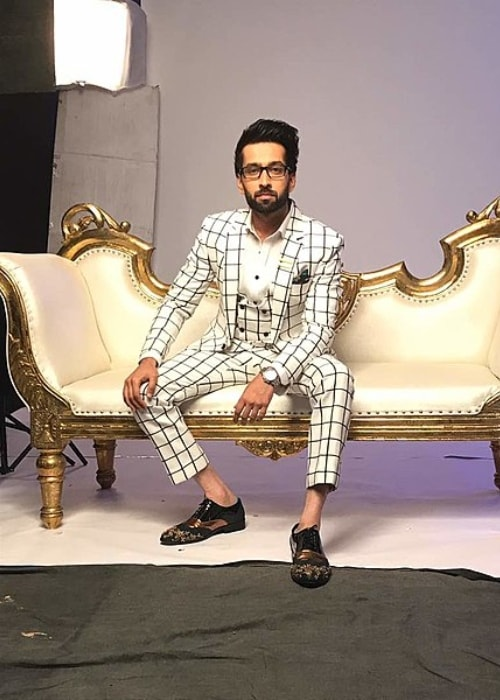 Nakuul Mehta as seen at Star Parivaar Awards in December 2017