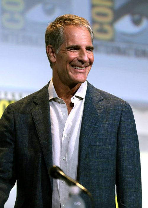 Scott Bakula speaking at the 2016 San Diego Comic Con International