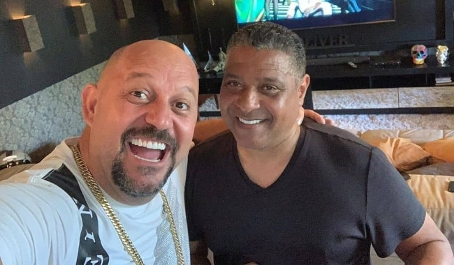 Stevie B (Right) as seen in a selfie with J. Oliver in May 2019