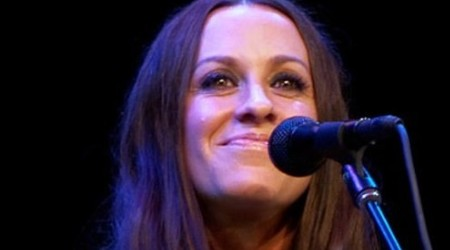 Alanis Morissette Height, Weight, Age, Body Statistics