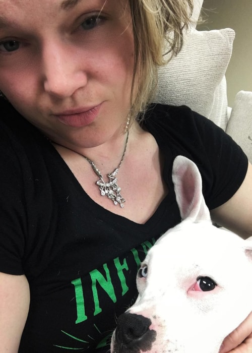 Crystal Bowersox as seen in a selfie taken with her best friend in May 2019