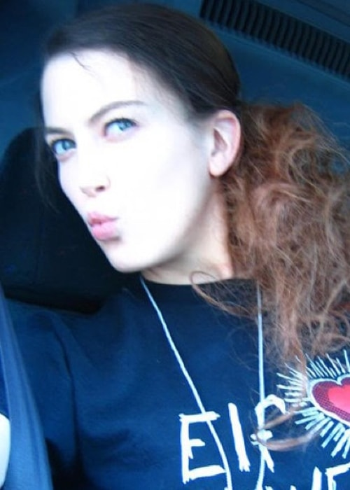 Elyse Sewell as seen while pouting and clicking a selfie in June 2013