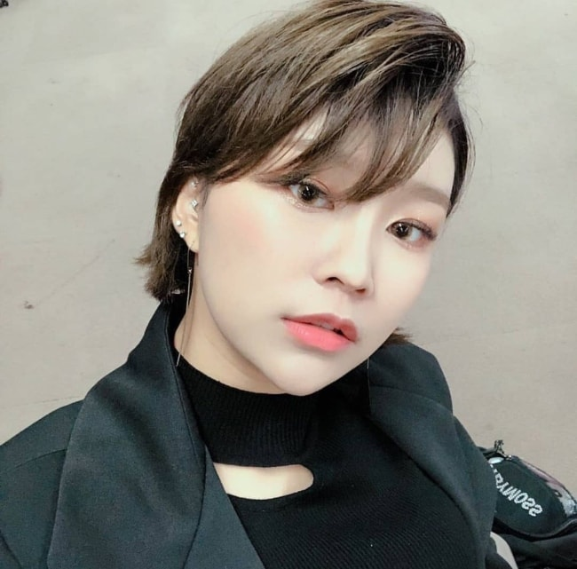 Hyebin as seen in a selfie in October 2018