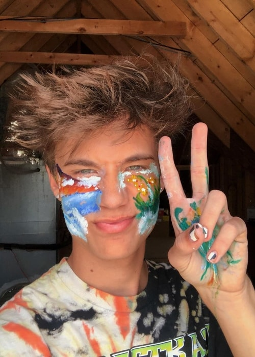 Jaden Hossler as seen while taking a selfie with his painted face in May 2019