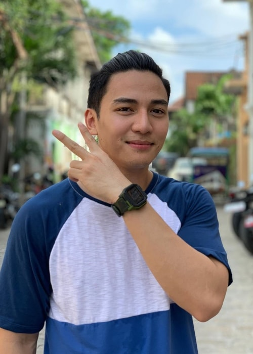Jak Roberto as seen while posing for a picture in Calle Crisologo Vigan, Ilocos Sur in June 2019