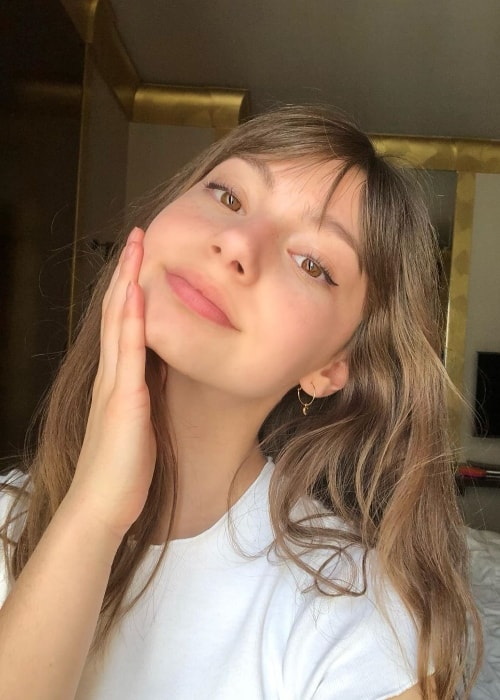 Lauren Lindsey Donzis as seen while taking a selfie in Lyon, France in June 2019
