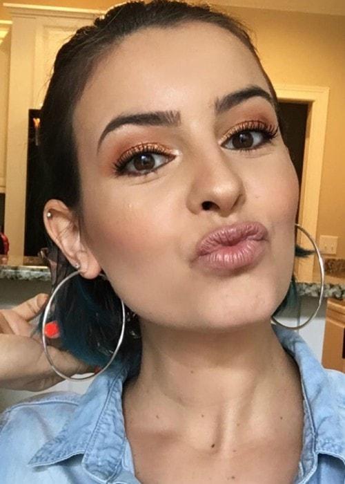 Lisa Michelle Cimorelli in an Instagram selfie as seen in June 2019