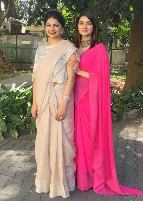 Prachi Desai as seen in a picture taken with older sister Esha Desai at St. Mark's Cathedral in Bangalore in December 2017
