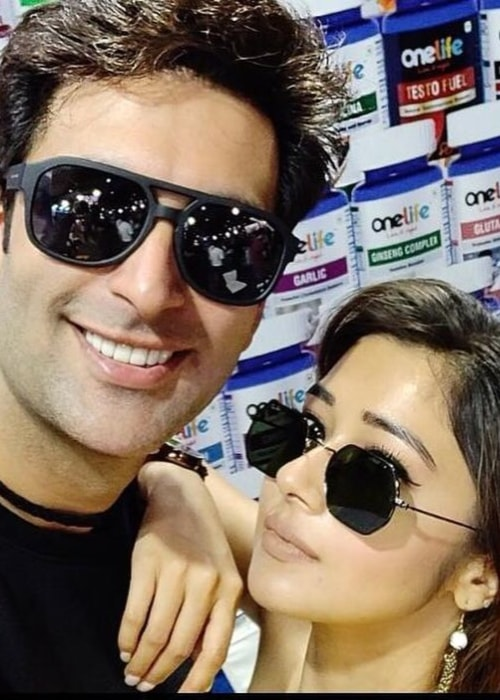 Tina Datta as seen in a selfie taken with actor Nandish Sandhu in October 2018