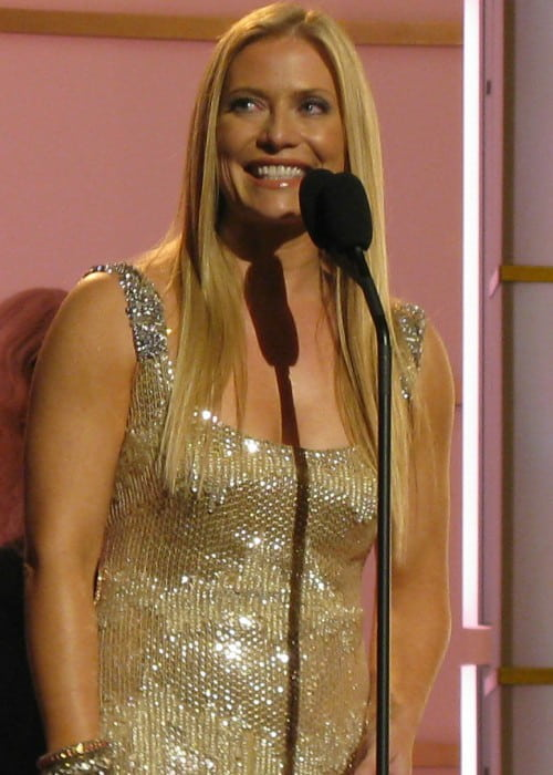 Emily Procter presenting at the 2008 Fashion Rocks event