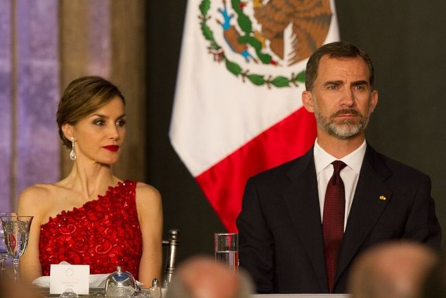 King Felipe VI and Queen Letizia of Spain at the National Palace of Mexico City in June 2015