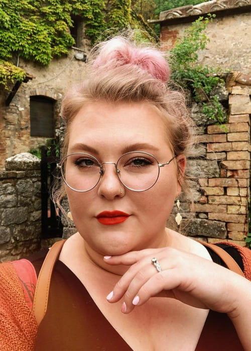 Lauren Mae in a selfie as seen in May 2019