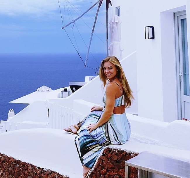 Nikki Leigh as seen while posing for a beautiful picture in Oía, Santorini, Greece in August 2019