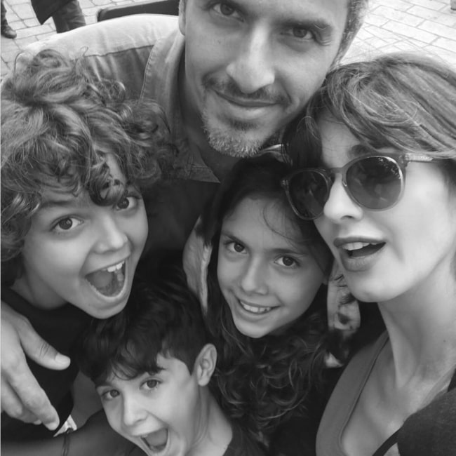 Paz Vega as seen in a selfie taken with her husband Orson Salazar and children Orson Salazar Jr. (Left), Lenon Salazar (Bottom Middle), and Ava Salazar (Right)