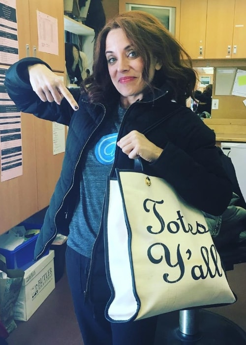 Alanna Ubach as seen while posing for the camera with her tote bag in October 2016