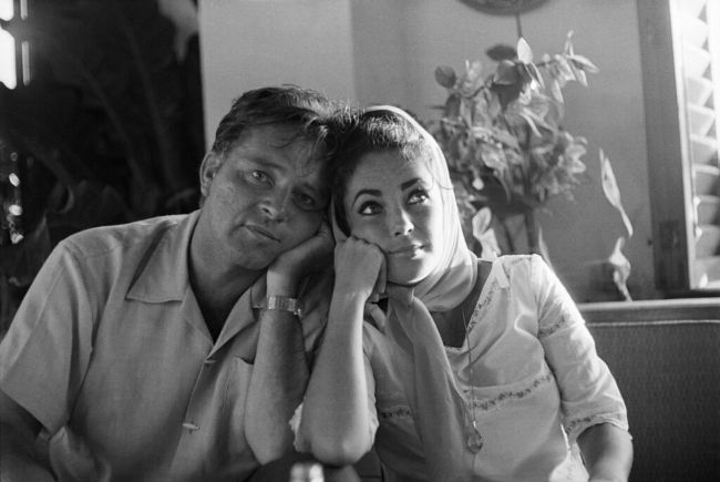 Elizabeth and Richard Burton pictured together in Mexico in December 1963