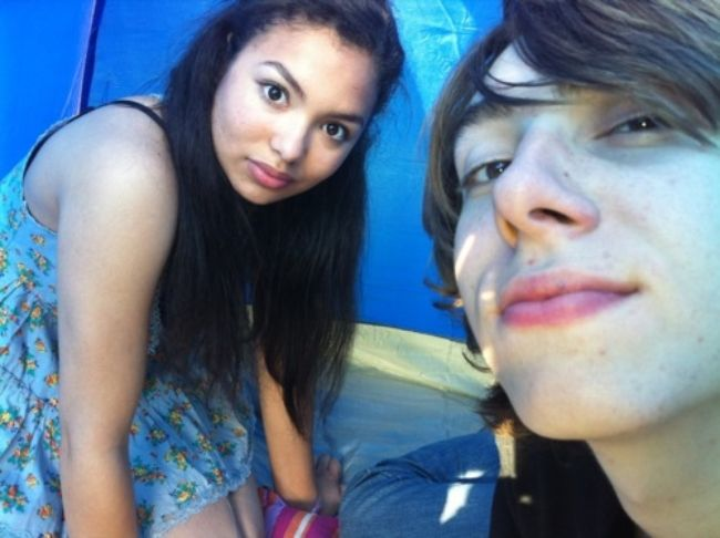 Jessica as seen with her Skins co-star Alexander Arnold