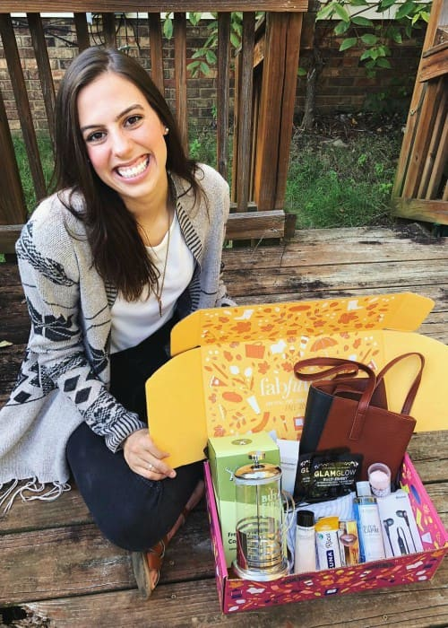 Katherine Ann Cimorelli promoting FabFitFun in an Instagram post in September 2018