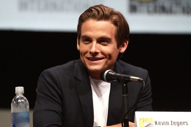 Kevin Zegers speaking at the 2013 San Diego Comic Con International for his film The Mortal Instruments City of Bones