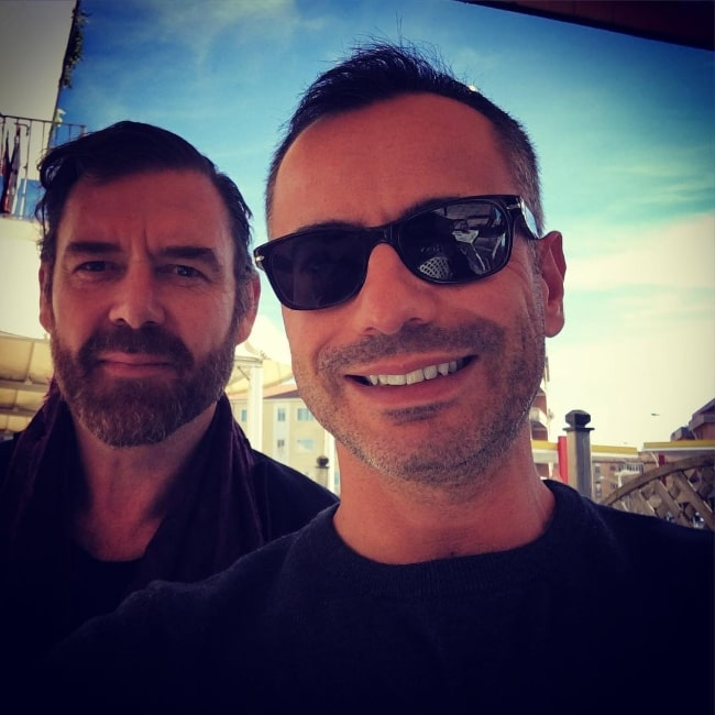 Marton Csokas as seen while posing for a selfie alongside Carmine Pizzuto in October 2018