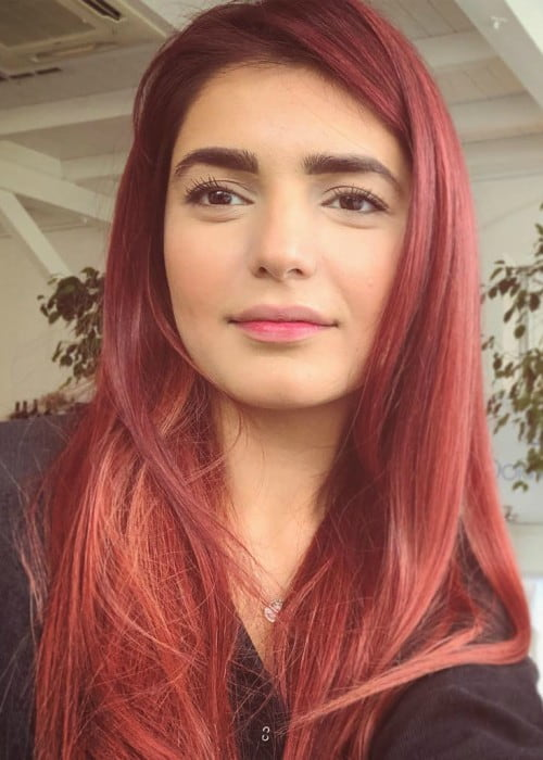 Momina Mustehsan in an Instagram selfie as seen in April 2019