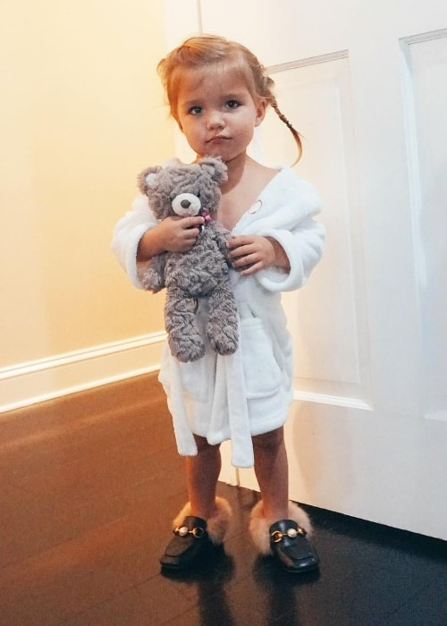Oakley Fisher as seen in a picture while holding her teddy bear in December 2018