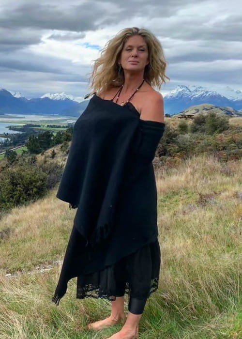 Rachel Hunter in an Instagram post as seen in October 2019