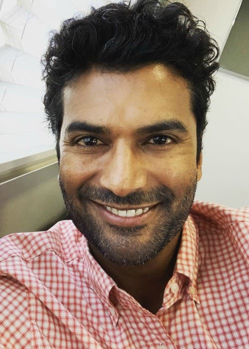 Sendhil Ramamurthy in an Instagram selfie as seen in September 2019