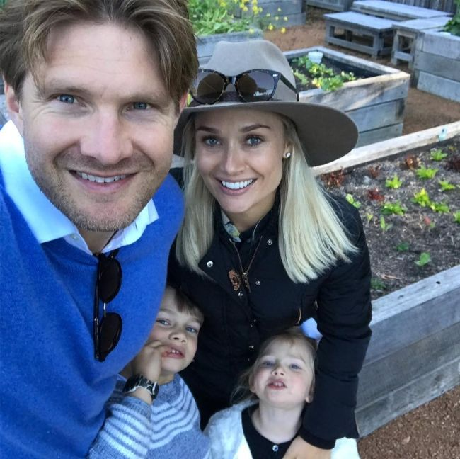 Shane taking a selfie with his wife Lee Furlong and kids William and Matilda in October 2018