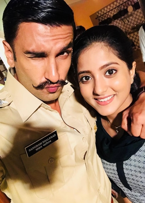Ulka Gupta as seen in a selfie taken with actor Ranveer Singh in December 2018