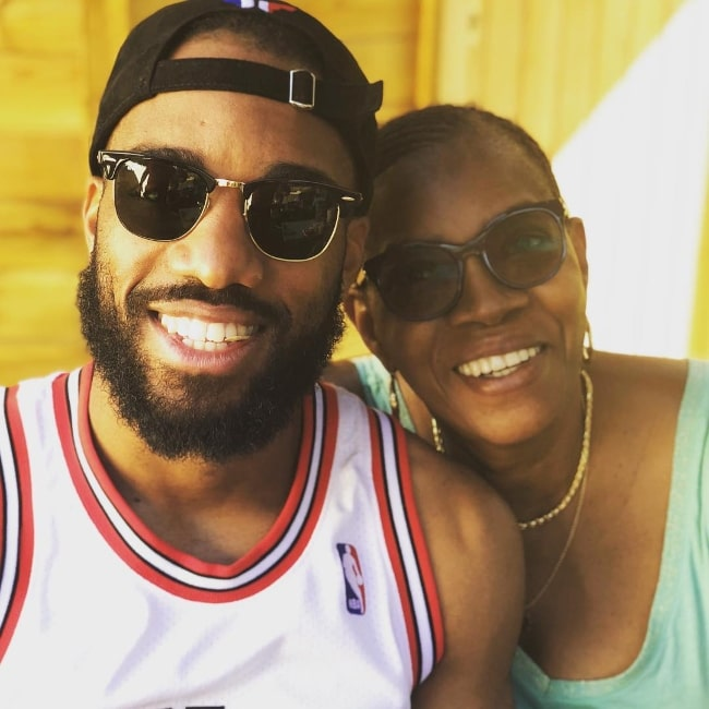 Alexandre Lacazette as seen while clicking a selfie along with his mother