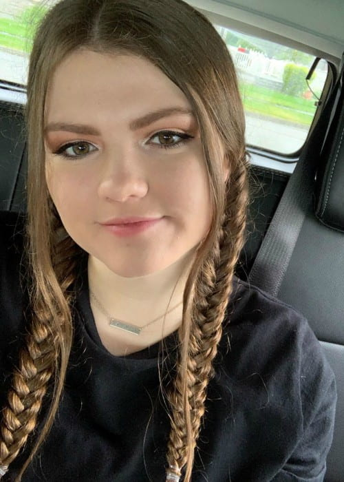 AllAroundAudrey in an Instagram selfie as seen in May 2019