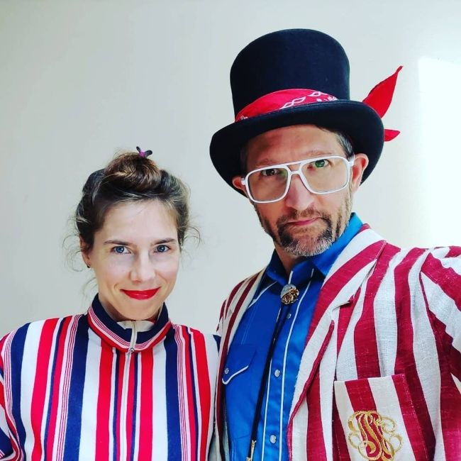 Amanda and her husband Christopher Robinson dress up during the 4th of July celebrations in 2019
