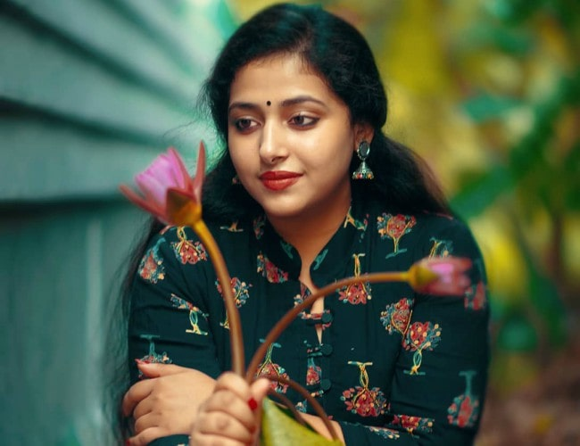 Anu Sithara in an Instagram post as seen in April 2019