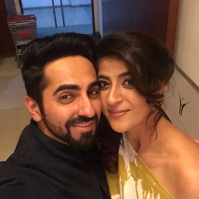 Ayushmann Khurrana taking a selfie with his wife Tahira Kashyap in September 2017