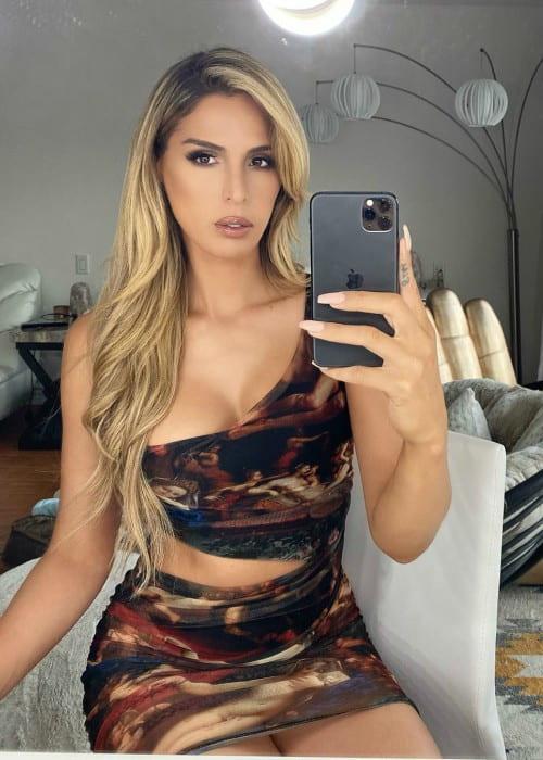 Carmen Carrera in an Instagram selfie in October 2019