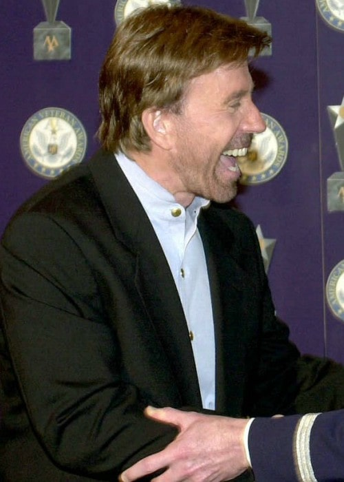 Chuck Norris receiving the Veteran of the Year award